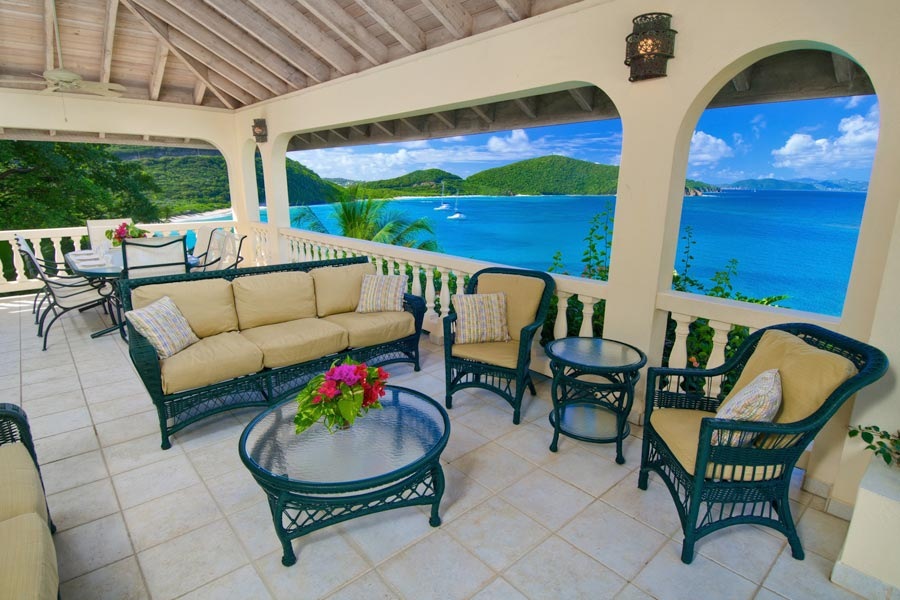 Socializing space for your Caribbean home