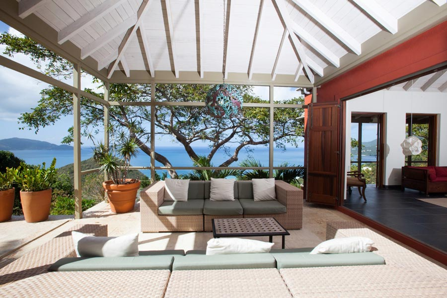 Staging a Caribbean home