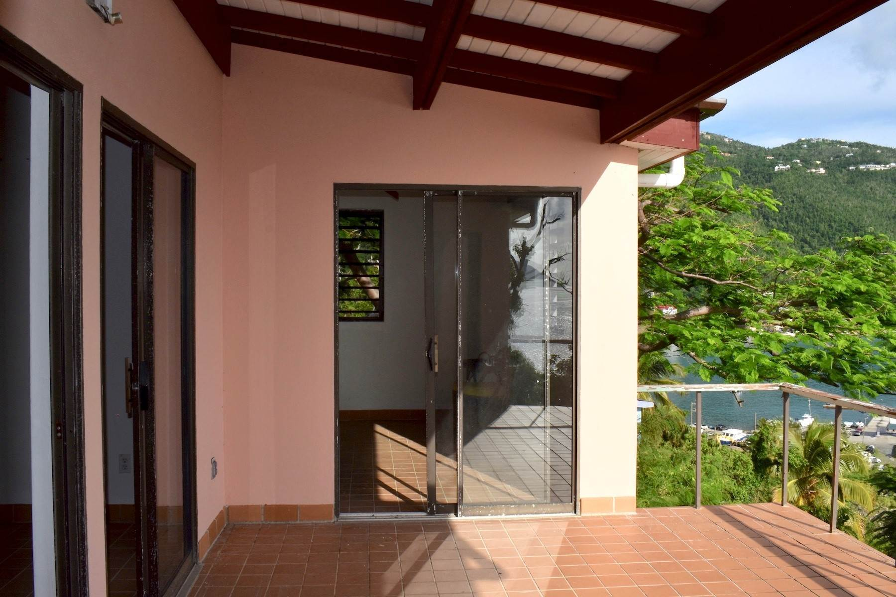 9. Single Family Homes for Sale at Cannon Point Cottage Cannon Point Sunset Cottage Cane Garden Bay, Tortola VG1110 British Virgin Islands